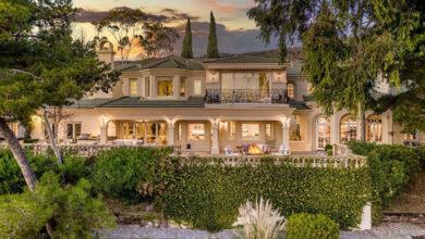 Photo of Меган Маркл и принц Гарри покупают еще один особняк, в котором будут жить с мамой герцогини Дорией: фотоэкскурсия