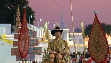 Photo of «Дворец наслаждений» и велопрогулки с гаремом: новые подробности роскошного карантина короля Таиланда