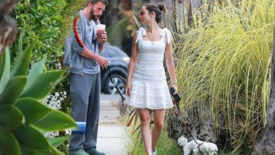 Photo of Солнце, объятия и «новая» борода: Бен Аффлек и Ана де Армас снова гуляют по Лос-Анджелесу