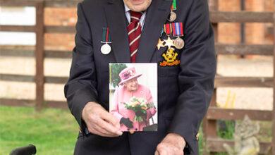 Photo of Елизавета II присвоит титул рыцаря 100-летнему ветерану Тому Муру, собравшему 30 миллионов фунтов для больниц