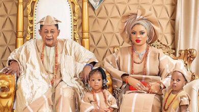 Photo of 81-летний король Ойо отпраздновал 22-летие своей жены, которую ему подарили